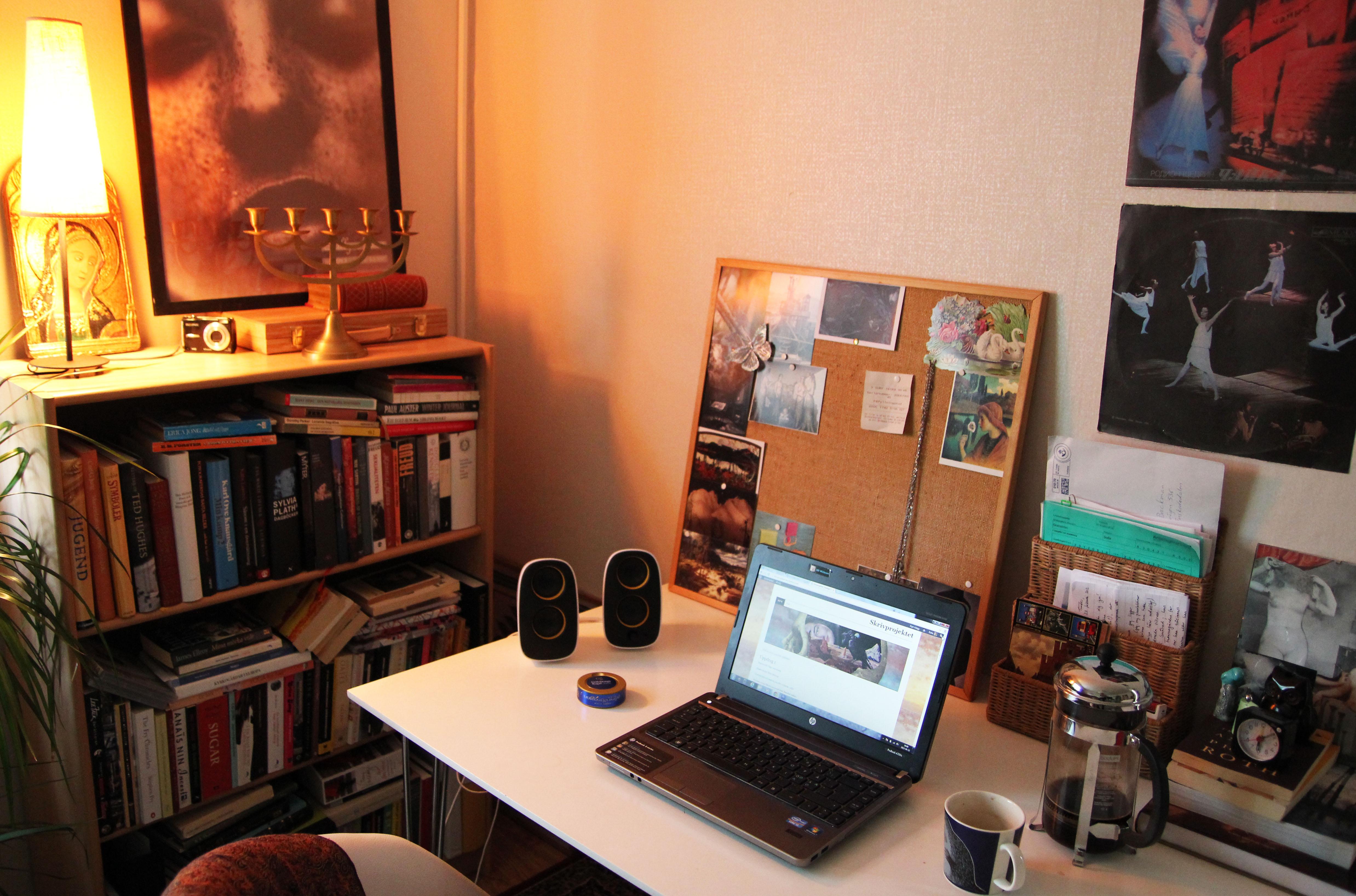 Agnetas skrivbord star tomt