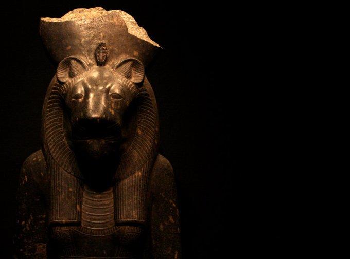 statue_of_goddess_sekhmet