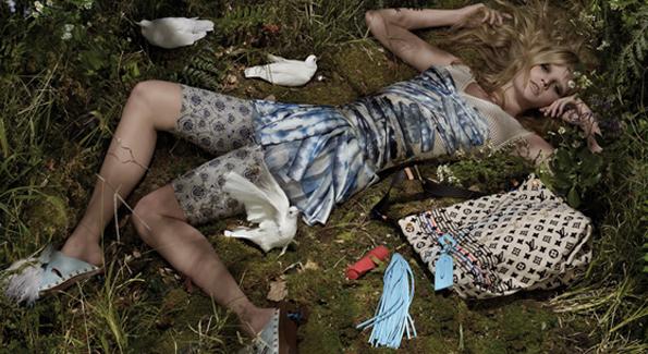 Louis-Vuitton-Spring-2010-ad-Lara-Stone-02