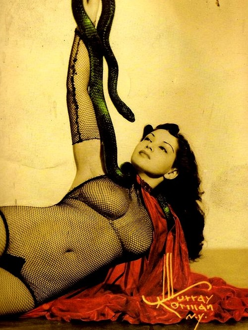 zorita-burlesque-40-tal